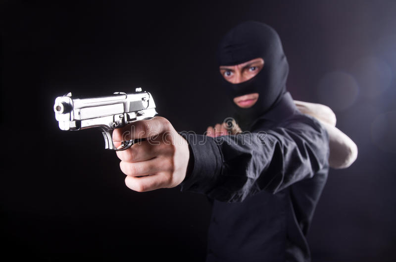 Άτομο που φορά balaclava στοκ φωτογραφία με δικαίωμα ελεύθερης χρήσης