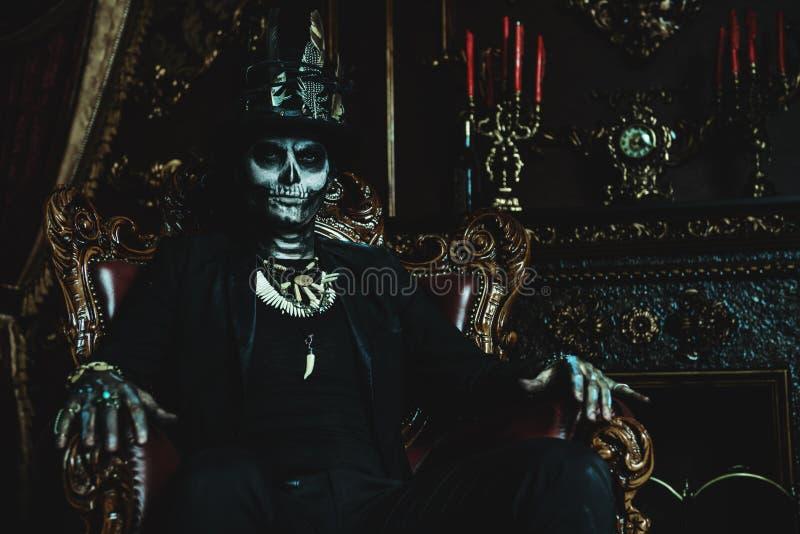Άτομο σκελετών σε ένα κάστρο στοκ φωτογραφίες