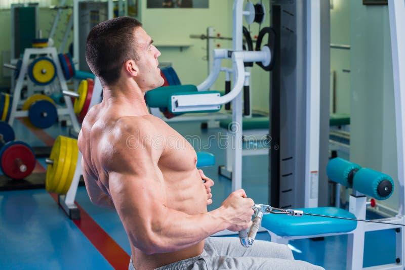 Άτομο στη γυμναστική στοκ εικόνες