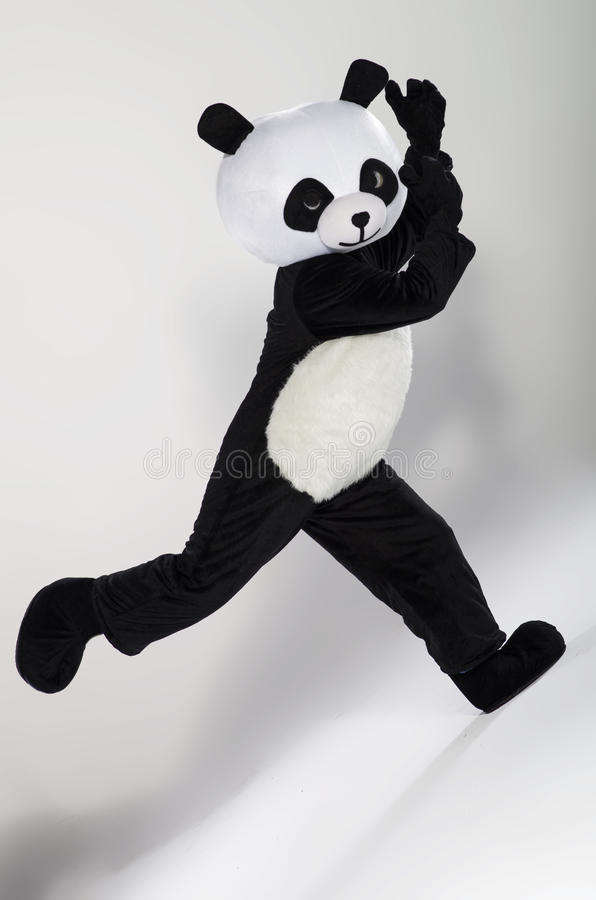 Άτομο στο κοστούμι panda στοκ φωτογραφίες με δικαίωμα ελεύθερης χρήσης
