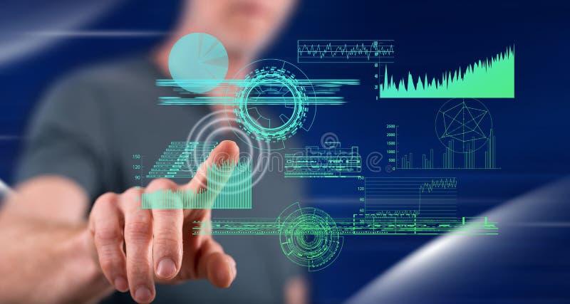 Άτομο σχετικά με μια ψηφιακή έννοια analytics στοκ φωτογραφία