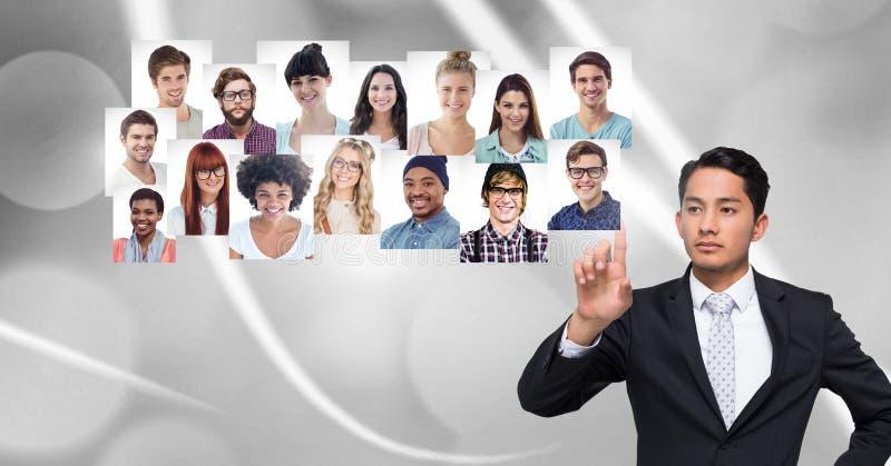 Άτομο σχετικά με τα σχεδιαγράμματα πορτρέτου των διαφορετικών ανθρώπων στοκ εικόνα