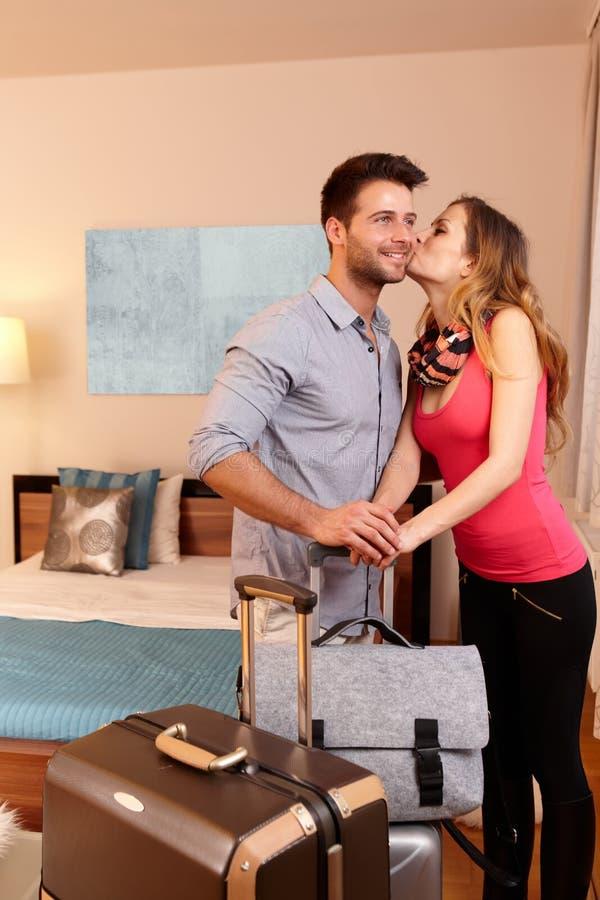 Άφιξη στο δωμάτιο ξενοδοχείου στοκ φωτογραφία με δικαίωμα ελεύθερης χρήσης