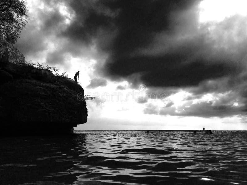 Άλμα απότομων βράχων στοκ φωτογραφία με δικαίωμα ελεύθερης χρήσης