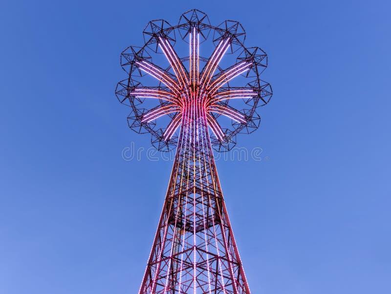 Άλμα αλεξίπτωτων Coney Island στοκ εικόνες με δικαίωμα ελεύθερης χρήσης