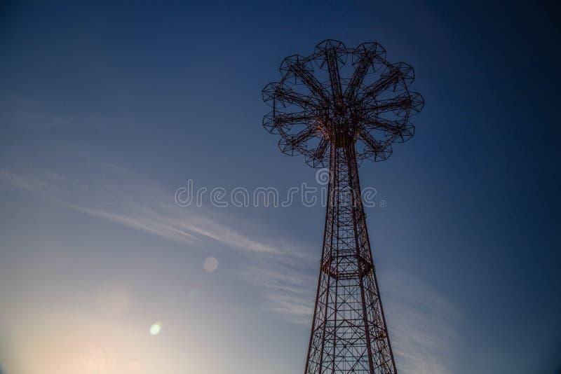 Άλμα αλεξίπτωτων Coney Island στοκ φωτογραφία με δικαίωμα ελεύθερης χρήσης