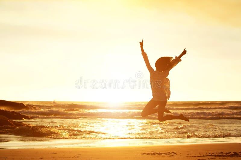 Άλμα για τη χαρά στοκ φωτογραφίες με δικαίωμα ελεύθερης χρήσης
