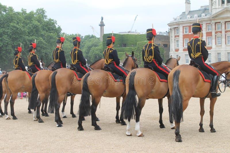 Άλογα και φρουρά του Λονδίνου στοκ φωτογραφία με δικαίωμα ελεύθερης χρήσης