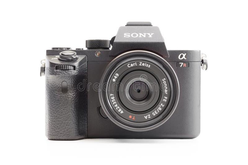 Άλφα mirrorless κάμερα της Sony με το φακό του Carl Zeiss στοκ εικόνα με δικαίωμα ελεύθερης χρήσης