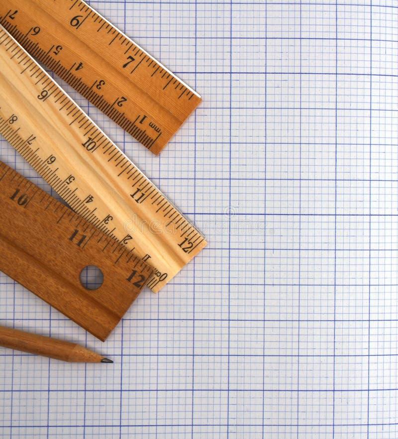 Έγγραφο, κυβερνήτης και μολύβι χιλιοστόμετρου στοκ εικόνες