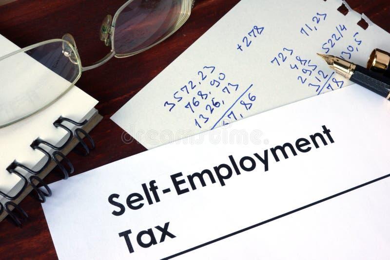 Έγγραφο με το φόρο αυτοαπασχόλησης λέξεων στοκ φωτογραφία με δικαίωμα ελεύθερης χρήσης