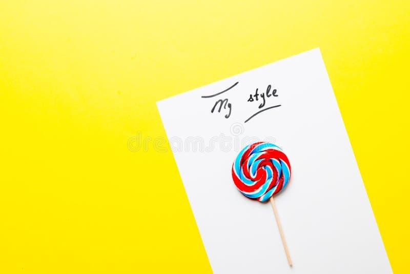 Έγγραφο το ύφος μου και lollipop στοκ εικόνες