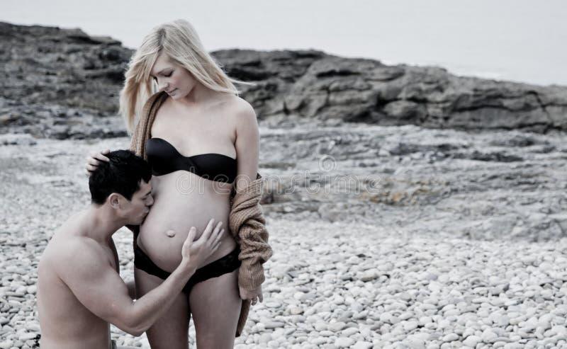 έγκυος γυναίκα ατόμων στοκ φωτογραφία με δικαίωμα ελεύθερης χρήσης