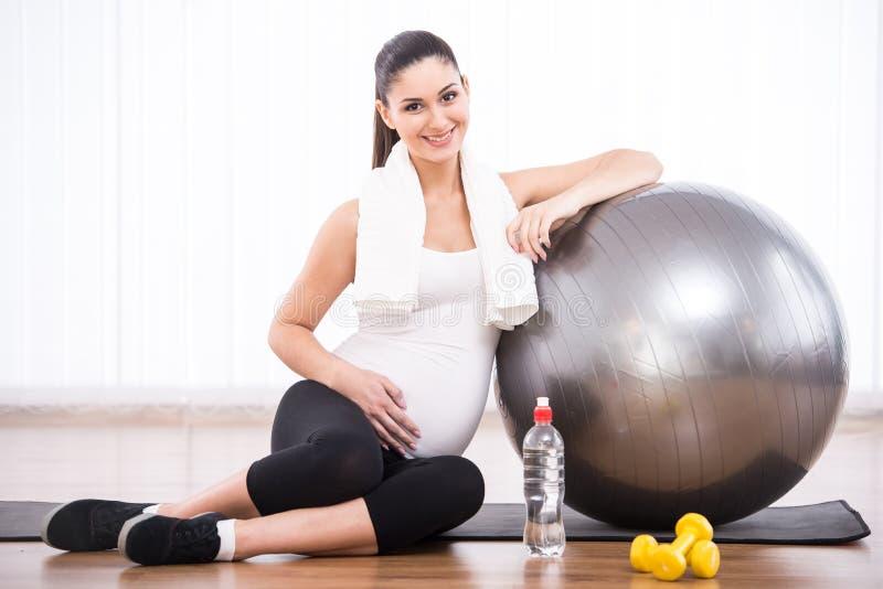 έγκυος γυναίκα στοκ φωτογραφία με δικαίωμα ελεύθερης χρήσης