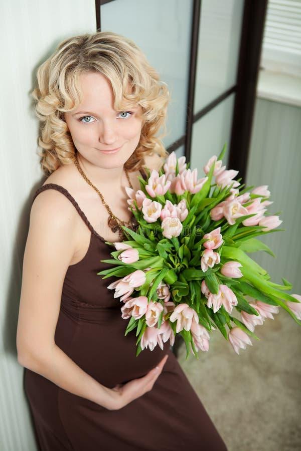 Έγκυο θηλυκό στοκ φωτογραφίες