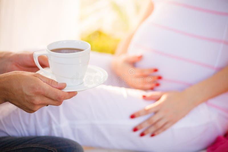 Έγκυο τσάι γλυκών στοκ εικόνα με δικαίωμα ελεύθερης χρήσης