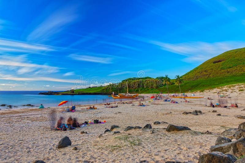 Έκθεση παραλιών Anakena μακροχρόνια εξαιρετικά στο νησί Πάσχας στοκ εικόνες