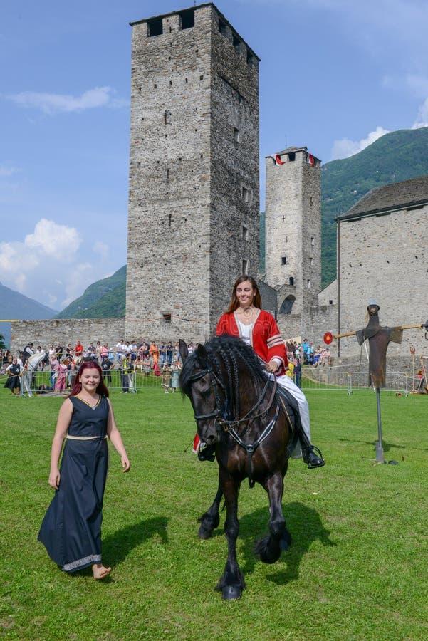 Έκθεση των μεσαιωνικών ιπποτών στο κάστρο Castelgrande σε Bellinz στοκ εικόνες με δικαίωμα ελεύθερης χρήσης