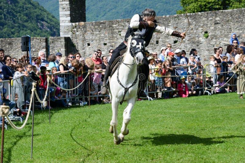 Έκθεση των μεσαιωνικών ιπποτών στο κάστρο Castelgrande σε Bellinz στοκ φωτογραφία