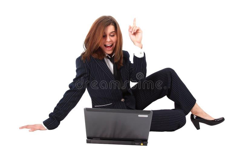 Έκπληξη - επιχειρησιακή γυναίκα με το lap-top στοκ εικόνες