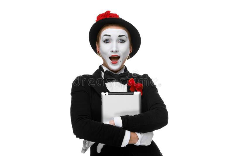 Έκπληκτος mime απομονωμένος στο άσπρο υπόβαθρο στοκ εικόνα