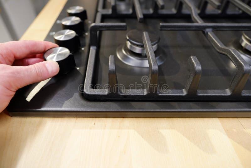 Έλεγχος εξογκωμάτων η θέση των τρόπων για στο φούρνο άποψη κινηματογραφήσεων σε πρώτο πλάνο άνωθεν στοκ εικόνες με δικαίωμα ελεύθερης χρήσης