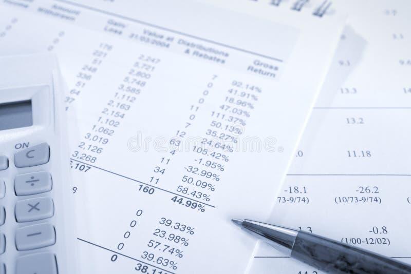Έλεγχος των αριθμών και της γραφικής εργασίας στοκ εικόνα με δικαίωμα ελεύθερης χρήσης