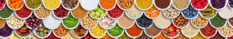Έμβλημα μούρων συστατικών καρυκευμάτων υποβάθρου τροφίμων φρούτων και λαχανικών άνωθεν στοκ φωτογραφία με δικαίωμα ελεύθερης χρήσης
