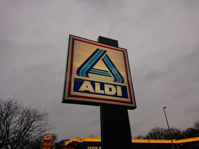 Έμβλημα υπεραγορών έκπτωσης Aldi στοκ φωτογραφίες με δικαίωμα ελεύθερης χρήσης