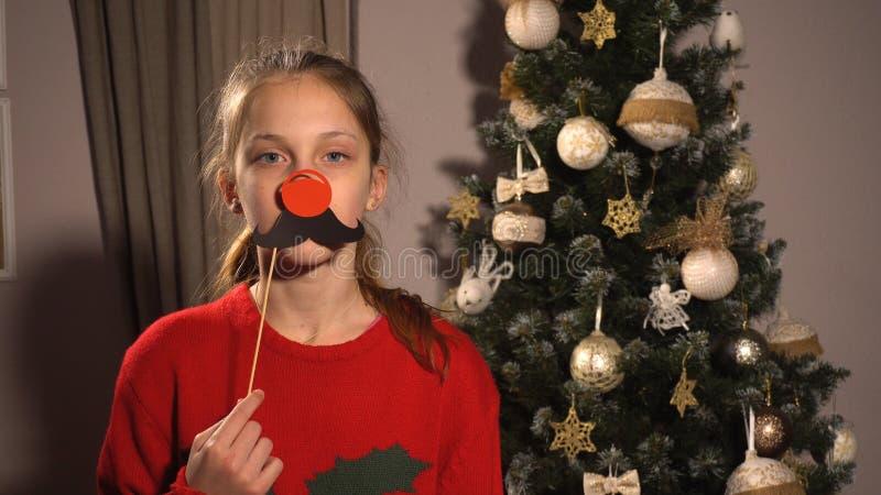 Έμβλημα εκμετάλλευσης κοριτσιών με την κόκκινη μύτη και moustache στοκ εικόνες με δικαίωμα ελεύθερης χρήσης