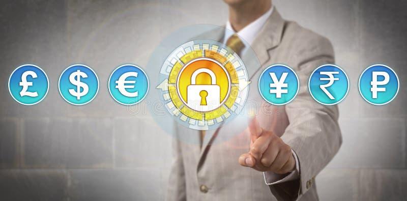 Έμπορος που ενεργοποιεί την ασφαλή ανταλλαγή νομίσματος στοκ φωτογραφία με δικαίωμα ελεύθερης χρήσης