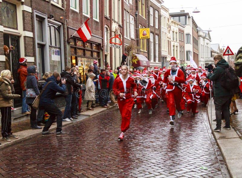 Έναρξη τρεξίματος Santa στοκ φωτογραφίες
