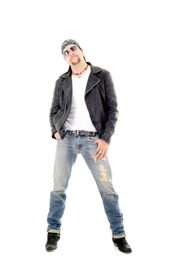 Ένας αναβάτης μοτοσικλετών φαλλοκρατών που φορά το σακάκι δέρματός του στοκ εικόνες