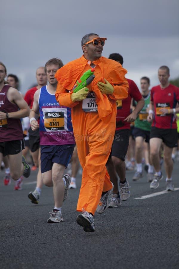 Ένας ανταγωνιστής διασκέδασης στο μεγάλο βόρειο τρέξιμο 2011 στοκ εικόνα