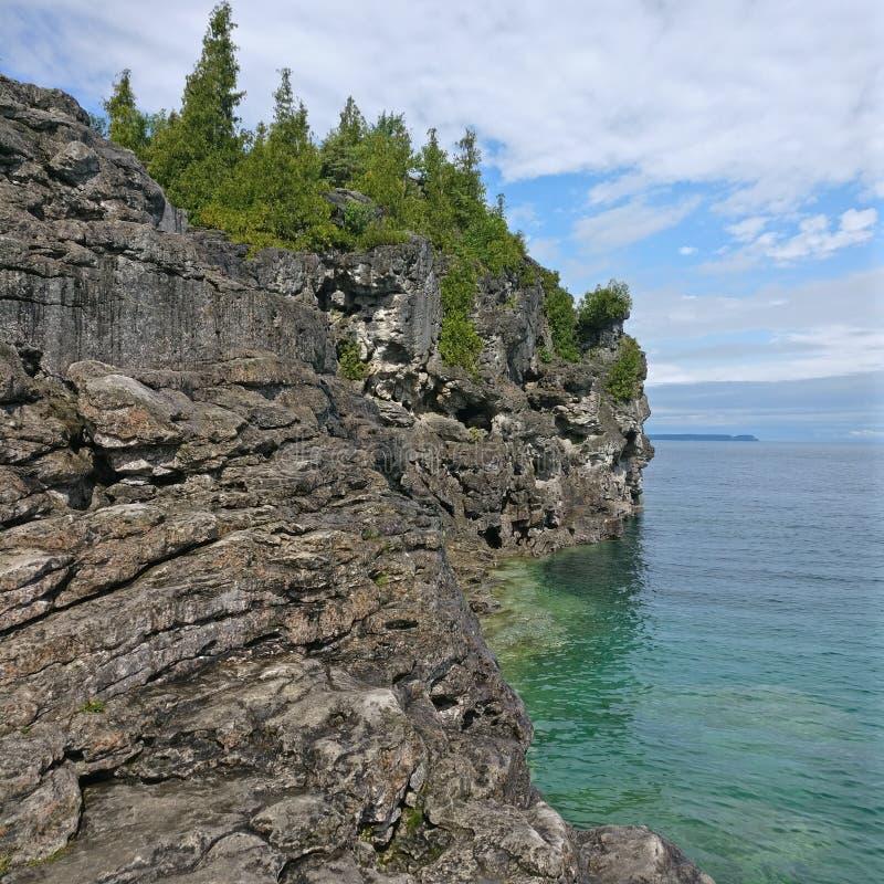 Ένας απότομος βράχος στοκ εικόνα