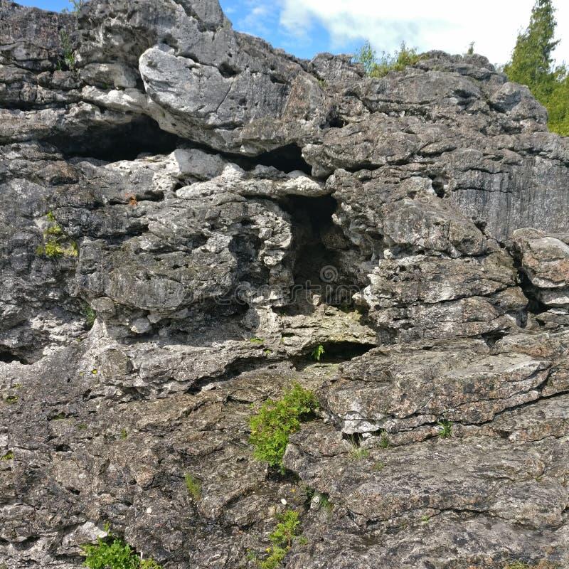 Ένας απότομος βράχος στοκ εικόνα με δικαίωμα ελεύθερης χρήσης
