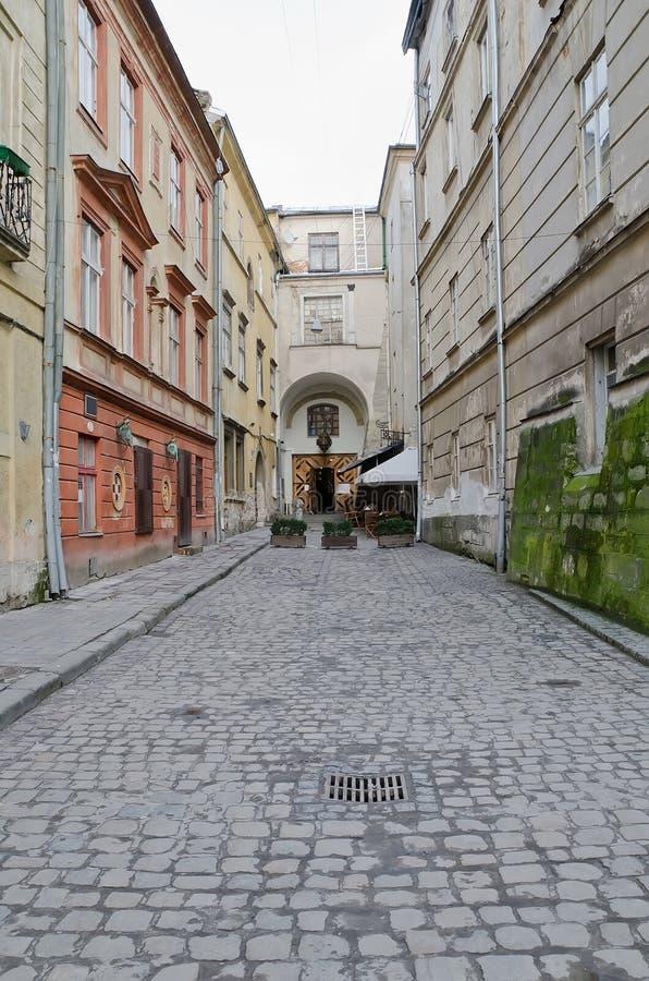 Ένας από τους κεντρικούς δρόμους σε Lvov - αρμενική οδός στοκ εικόνα