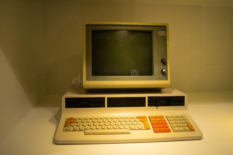 Ένας από τους πρώτους υπολογιστές στοκ εικόνες