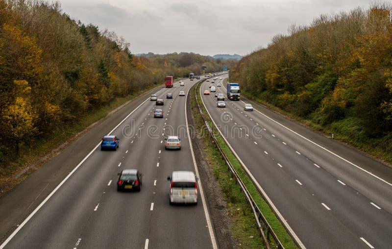 Ένας βρετανικός αυτοκινητόδρομος, με την περιορισμένη κυκλοφορία στοκ εικόνες