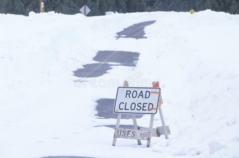 Ένας δρόμος έκλεισε το σημάδι στοκ φωτογραφία
