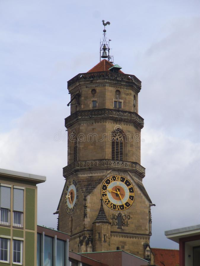Ένας εβαγγελικός πύργος εκκλησιών στη Στουτγάρδη στοκ εικόνα με δικαίωμα ελεύθερης χρήσης