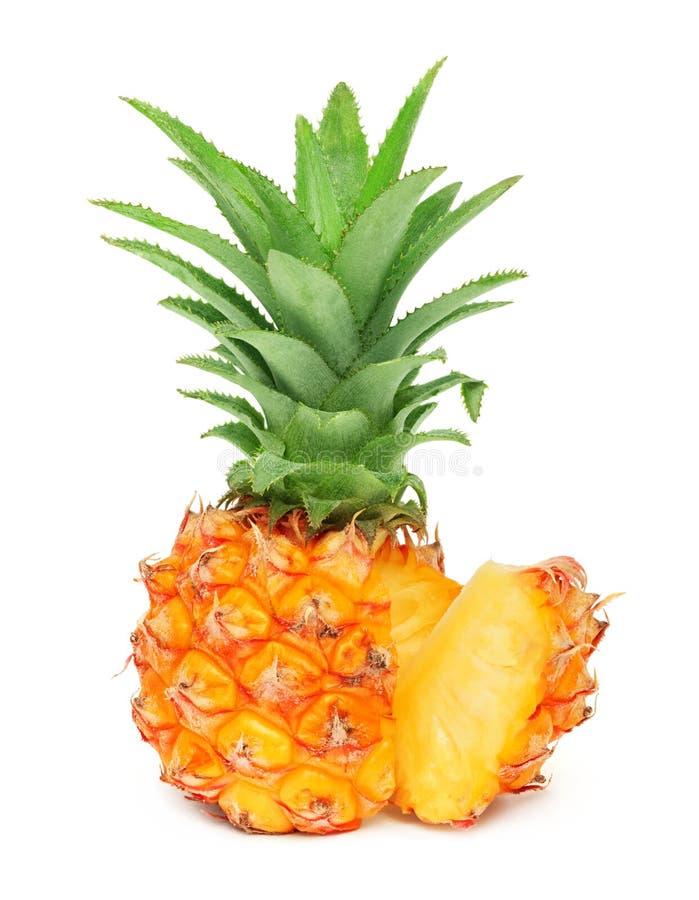 Ένας μίνι ανανάς με τη φέτα που απομονώνεται στοκ φωτογραφία με δικαίωμα ελεύθερης χρήσης