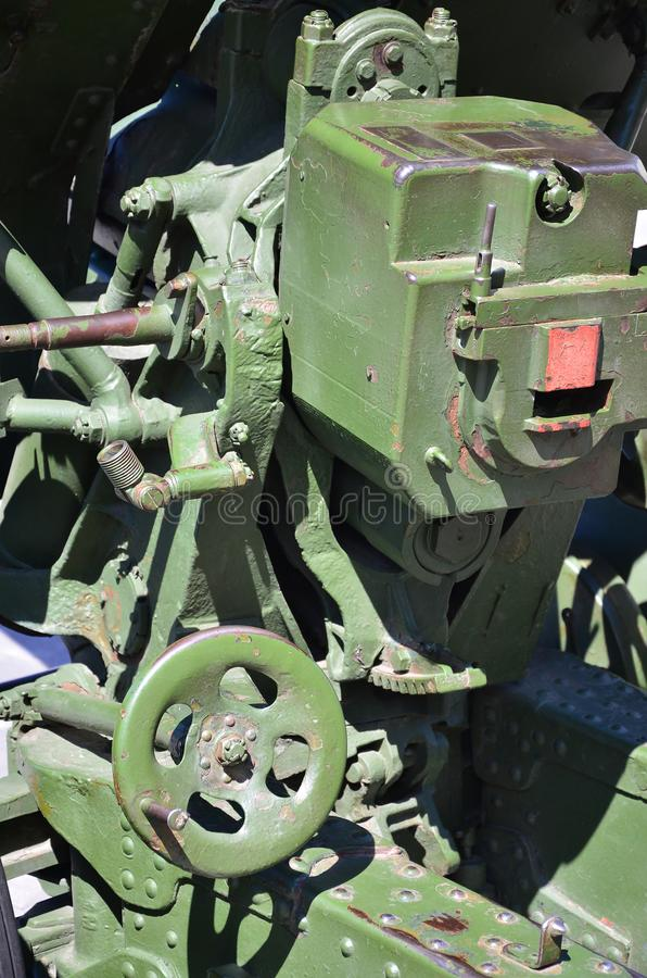 Ένας μηχανισμός κινηματογραφήσεων σε πρώτο πλάνο ενός φορητού όπλου της Σοβιετικής Ένωσης του Δεύτερου Παγκόσμιου Πολέμου, που χρ στοκ εικόνα