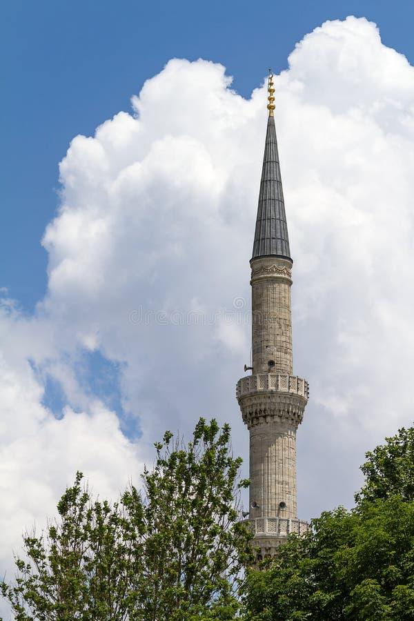 Ένας μιναρές του μουσουλμανικού τεμένους του Ahmed σουλτάνων, Ιστανμπούλ, Τουρκία, Ασία στοκ φωτογραφία