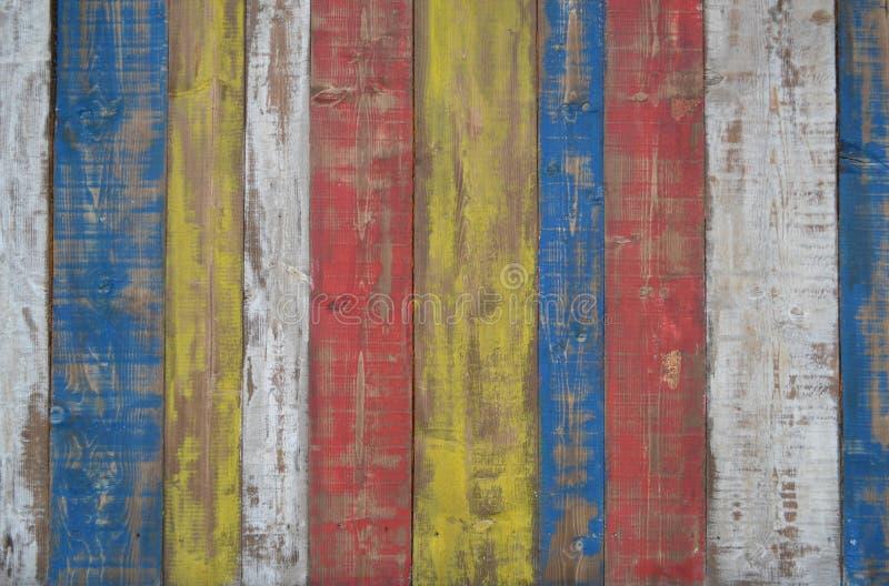 Ένας ξύλινος τοίχος με ένα shabby χρώμα στοκ εικόνες