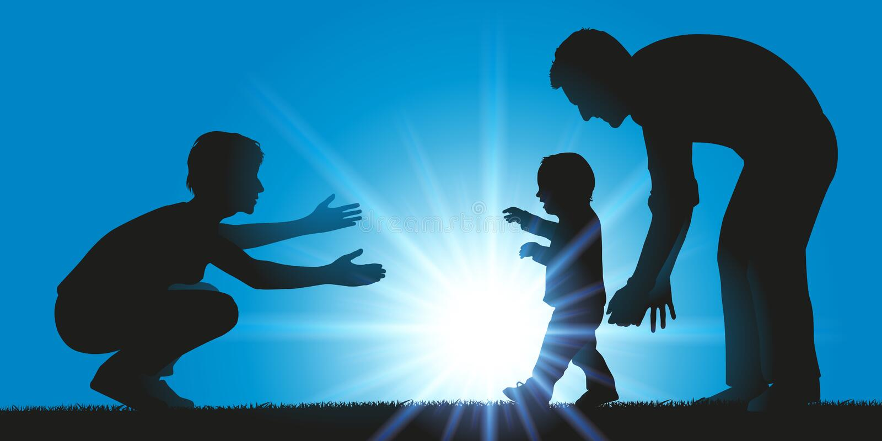 Ένας πατέρας και μια μητέρα μαθαίνουν να περπατούν στο παιδί τους απεικόνιση αποθεμάτων