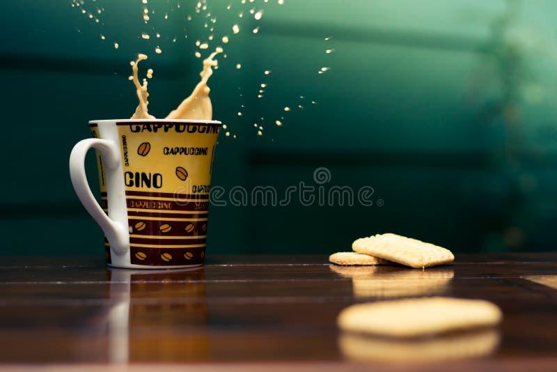 Ένας παφλασμός του καφέ στοκ εικόνα