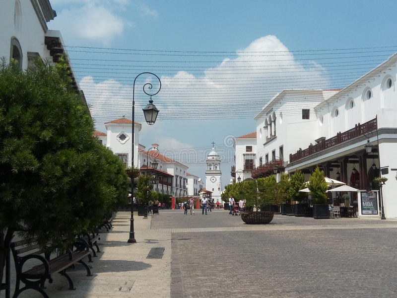 Ένας περίπατος σε Paseo Cayalà ¡ στοκ φωτογραφία με δικαίωμα ελεύθερης χρήσης