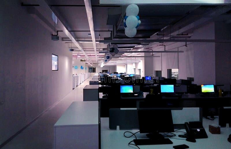 Ένας σταθμός εργασίας ενός γραφείου τεχνολογίας πληροφοριών στοκ εικόνα