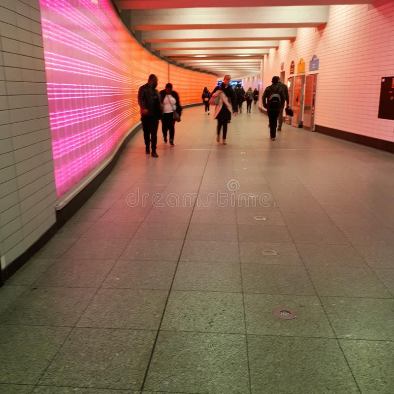 ένας σταθμός με τις ελαφριές εγκαταστάσεις στοκ εικόνες